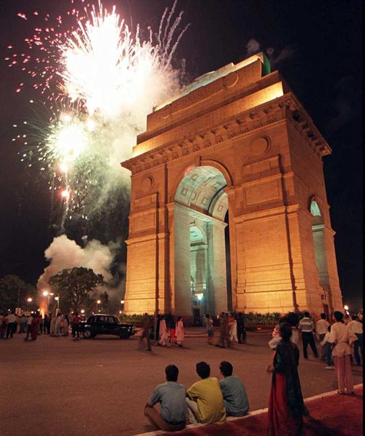 Fireworks at India Gate on New Year's Eve. Courtesy: MyCity4Kids.com