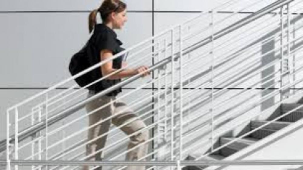 5 Ways to Keep Yourself Fit While Working In Office