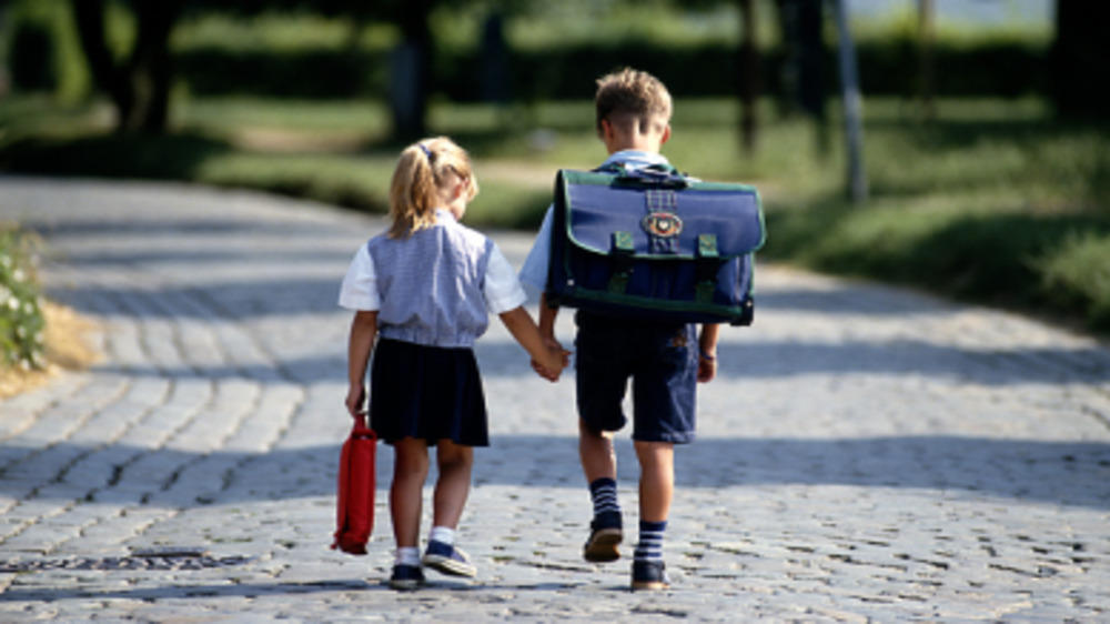 Child Economics: Things to consider while Selecting a Primary School