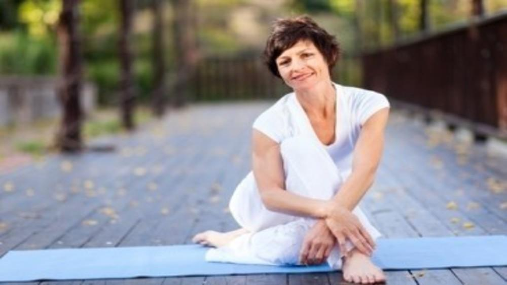 Live smart at 40+ - Tips and tricks to stay healthy & beautiful