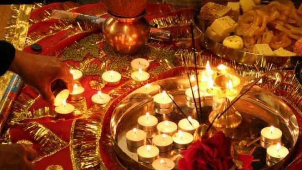 Diwali of lights or Diwali of gifts
