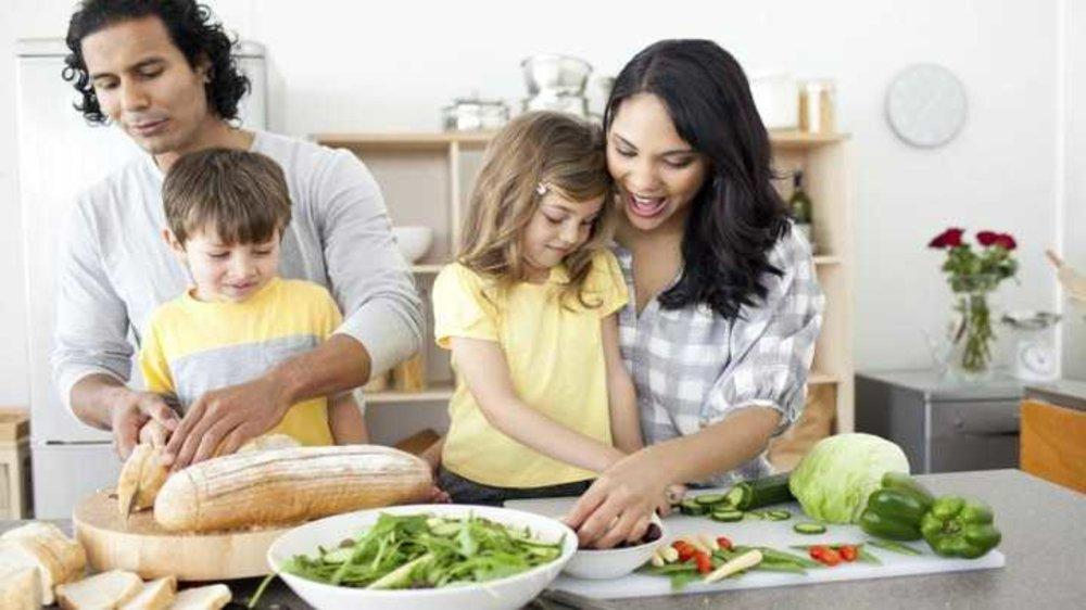 4  Reasons To Get Your Kids Cooking In The Kitchen Today