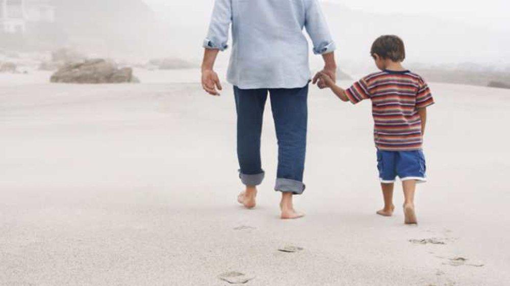 मधुर सम्बन्धो के लिए अपने बच्चों को criticism से बचाए |