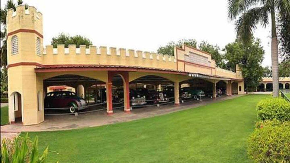 Hidden Gem: Vintage Car Museum– Auto World in Ahmedabad | places to ...