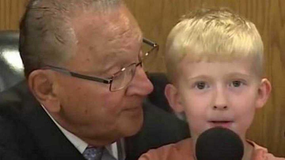 Judge Asks This 5-Yr-Old Kid to Decide His Dad's Punishment. His Answer is Awesome!