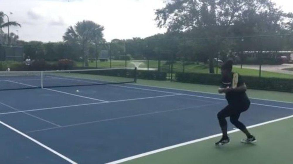 Heavily Pregnant Serena Williams' Baby Bump Takes Centre Court