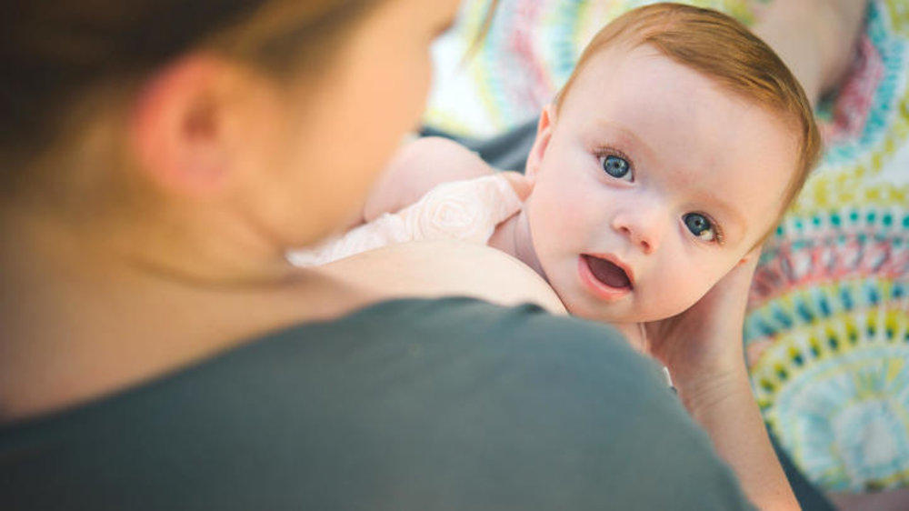 How I covered the wet spots while breastfeeding my child