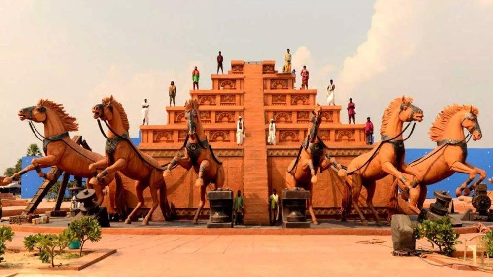 Baahubali Sets At Ramoji Film City Now Become A Tourist