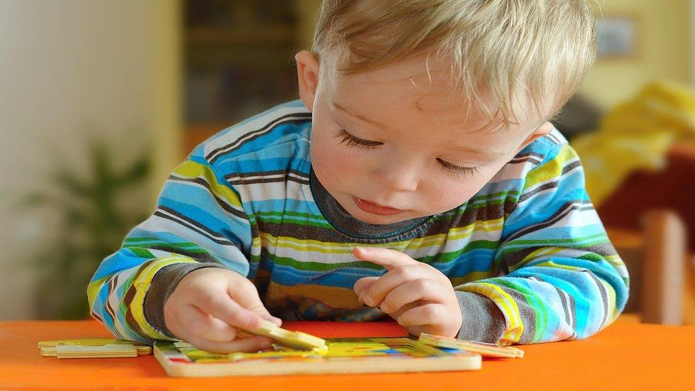 STAGES OF COGNITIVE DEVELOPMENT IN A CHILD BETWEEN THE AGE ...